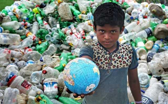 """COSA SUCCEDE NEL MONDO / Earth Day """"Giornata mondiale della Terra"""""""