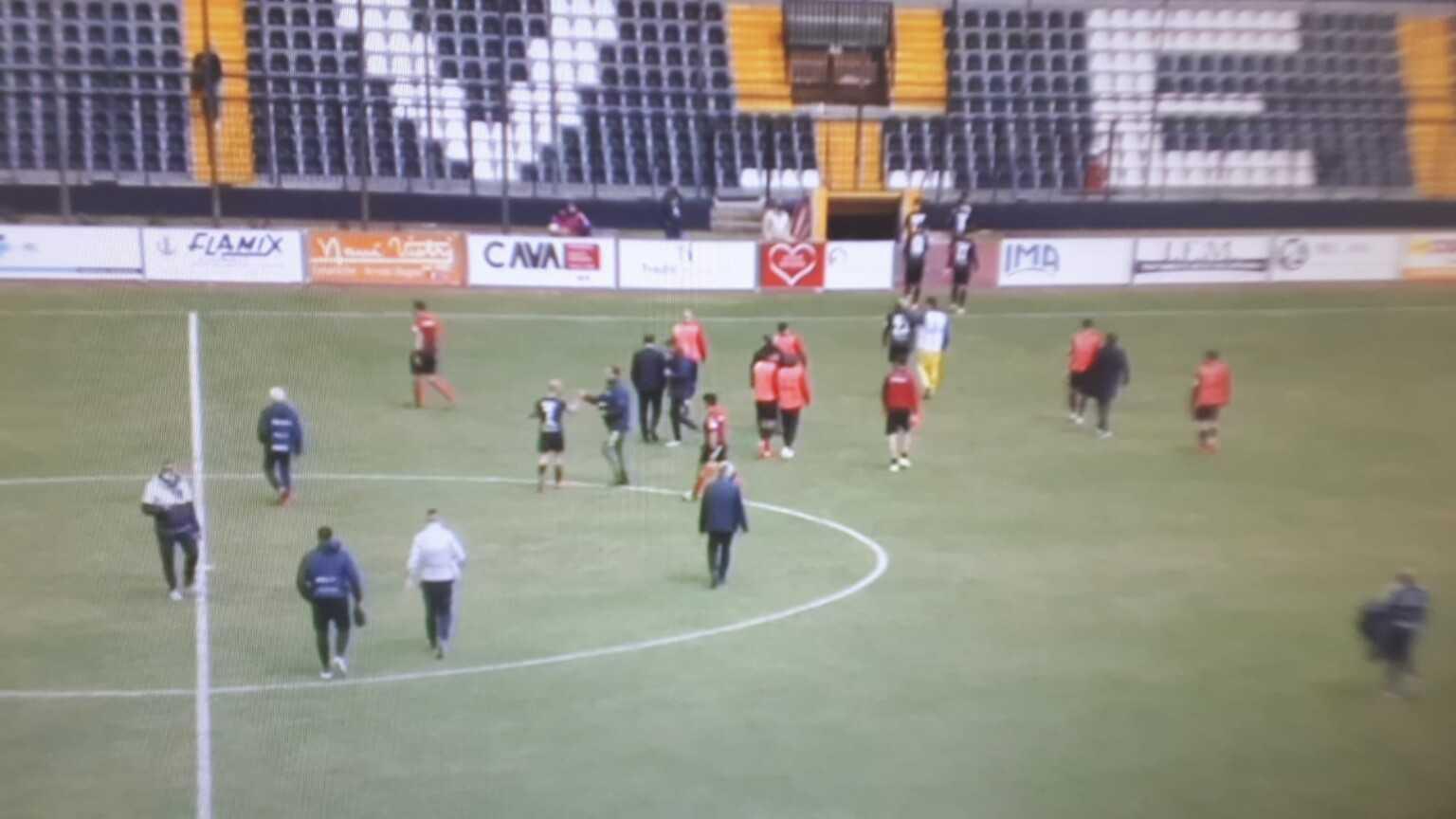 """Calcio C, a Cava dei Tirreni """"nz po perd"""" ma il Teramo ci riesce (1-0)"""