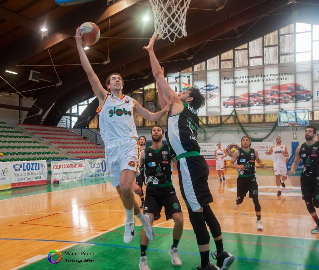 Basket B, la Globo Giulianova a Senigallia per il tris di vittorie consecutive