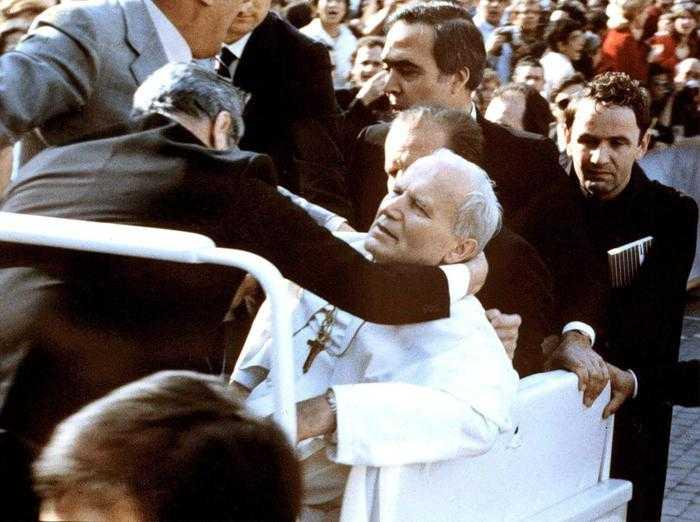 IL RUGGITO / Giovanni Paolo II: fu la Madonna di Fatima a spazzare l'ombra della morte