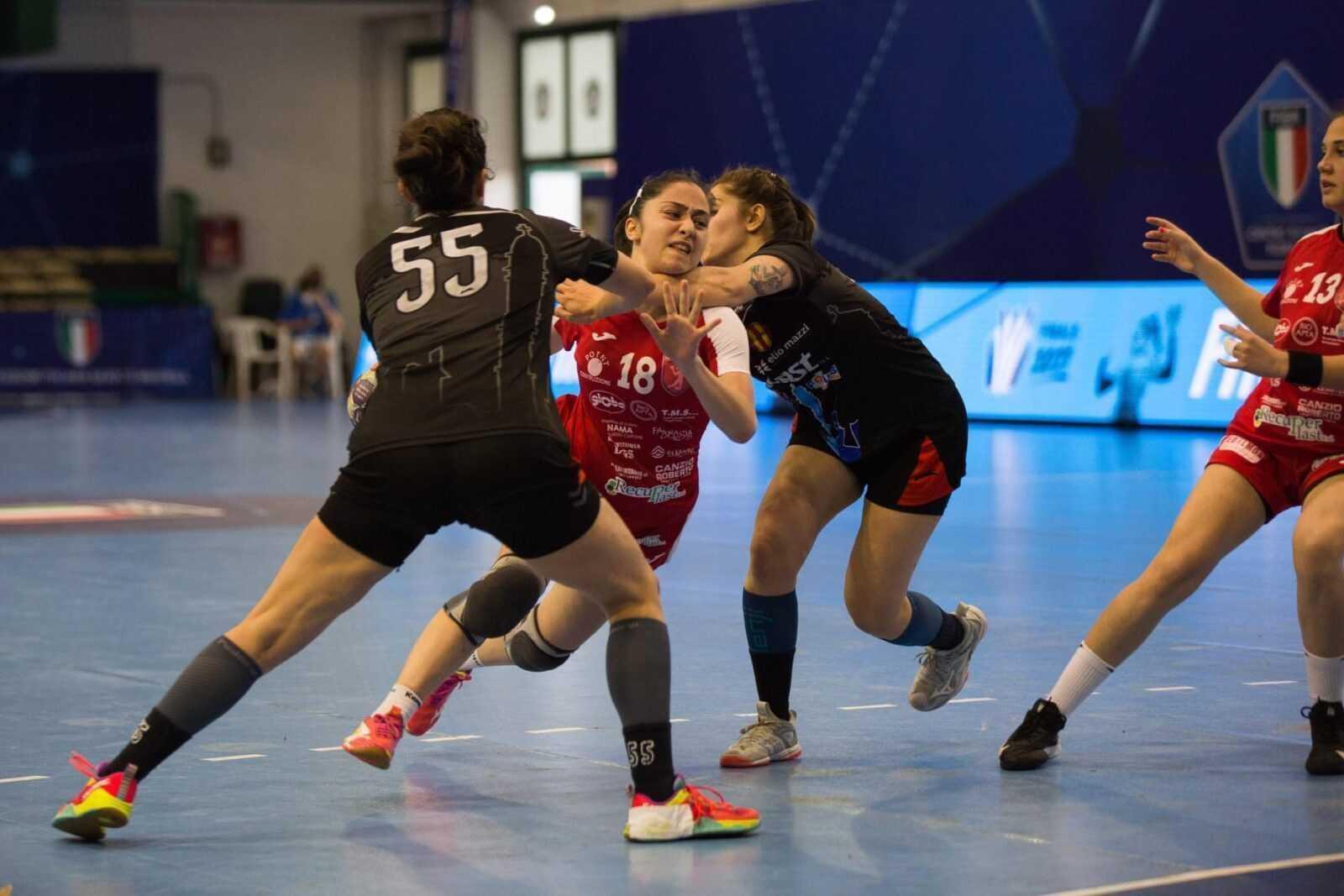 Handall donne play-off: sconfitta Teramo contro Prato (33-29): si deciderà tutto nella gara 3