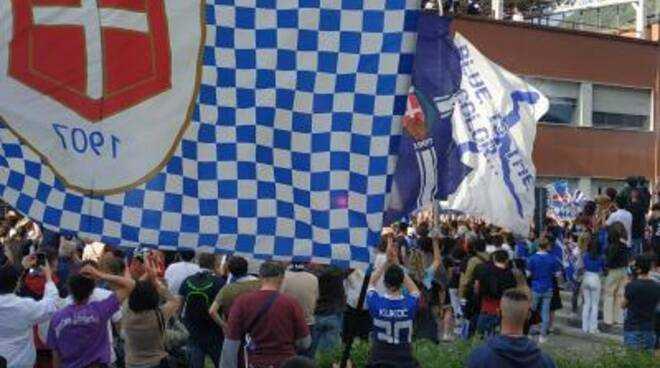 Calcio C/A, Como dalle ceneri all'altare: direttamente in D Livorno Lucchese e Pistoiese