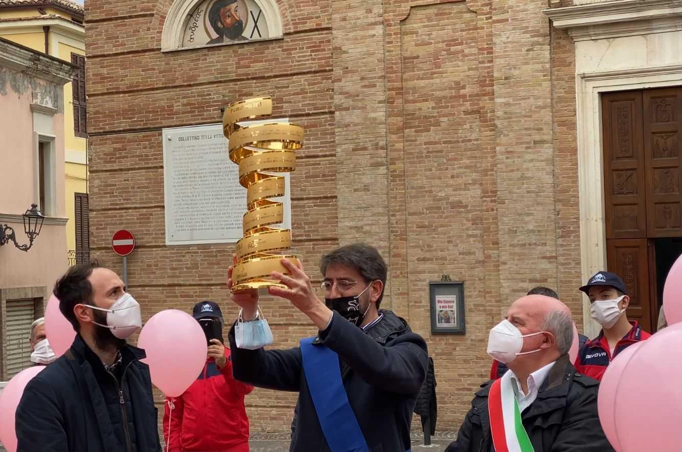 Ciclismo, via al Giro d'Italia: venerdì la Notaresco-Termoli