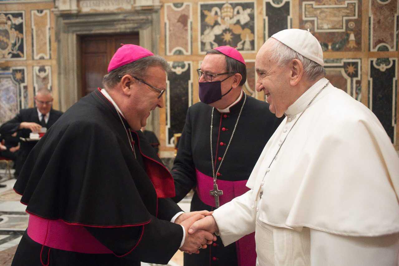 Il Vescovo di Teramo, con insegnanti e dirigenti scolastici, in udienza da Papa Francesco