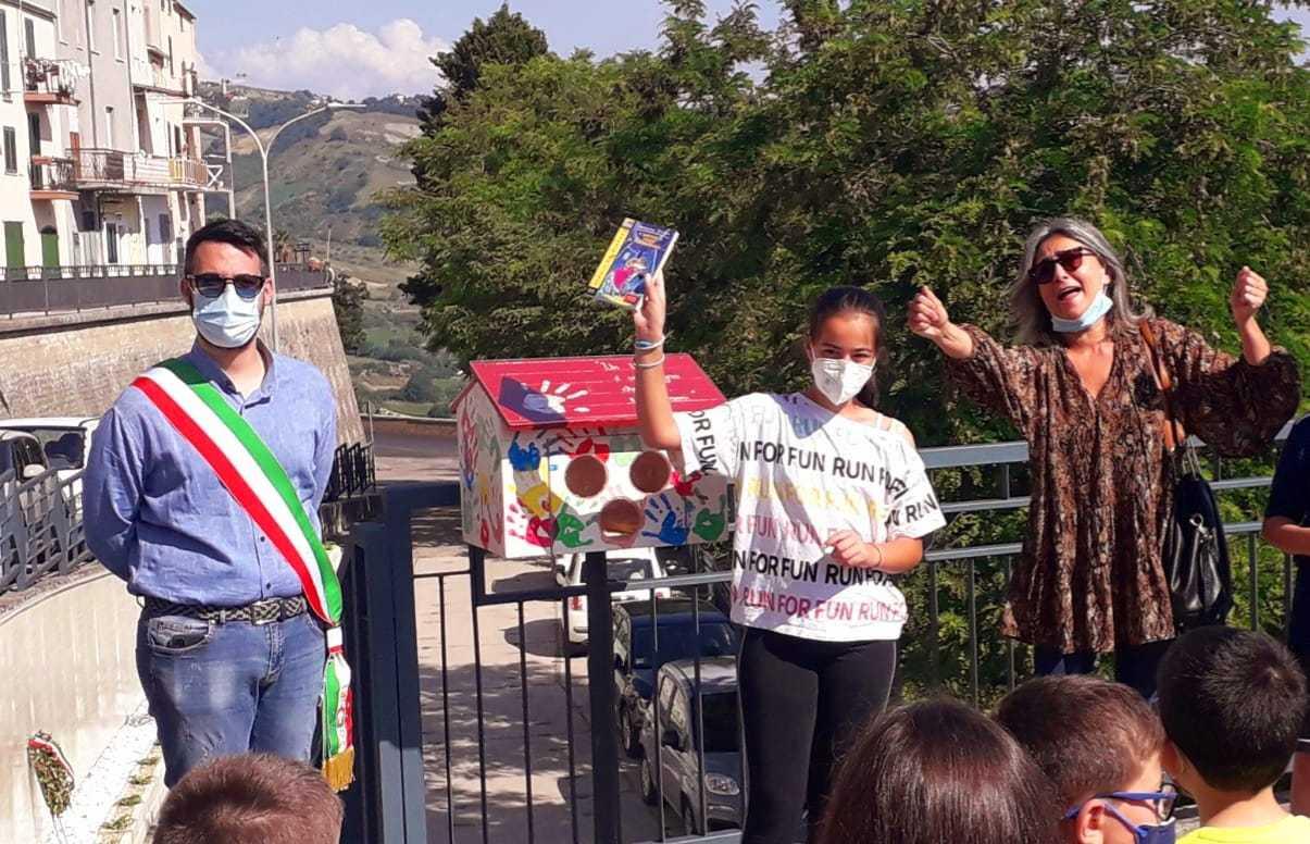 A Castiglione Messer Raimondo arriva il book sharing: 5 casette dei libri decorate dai bimbi del paese