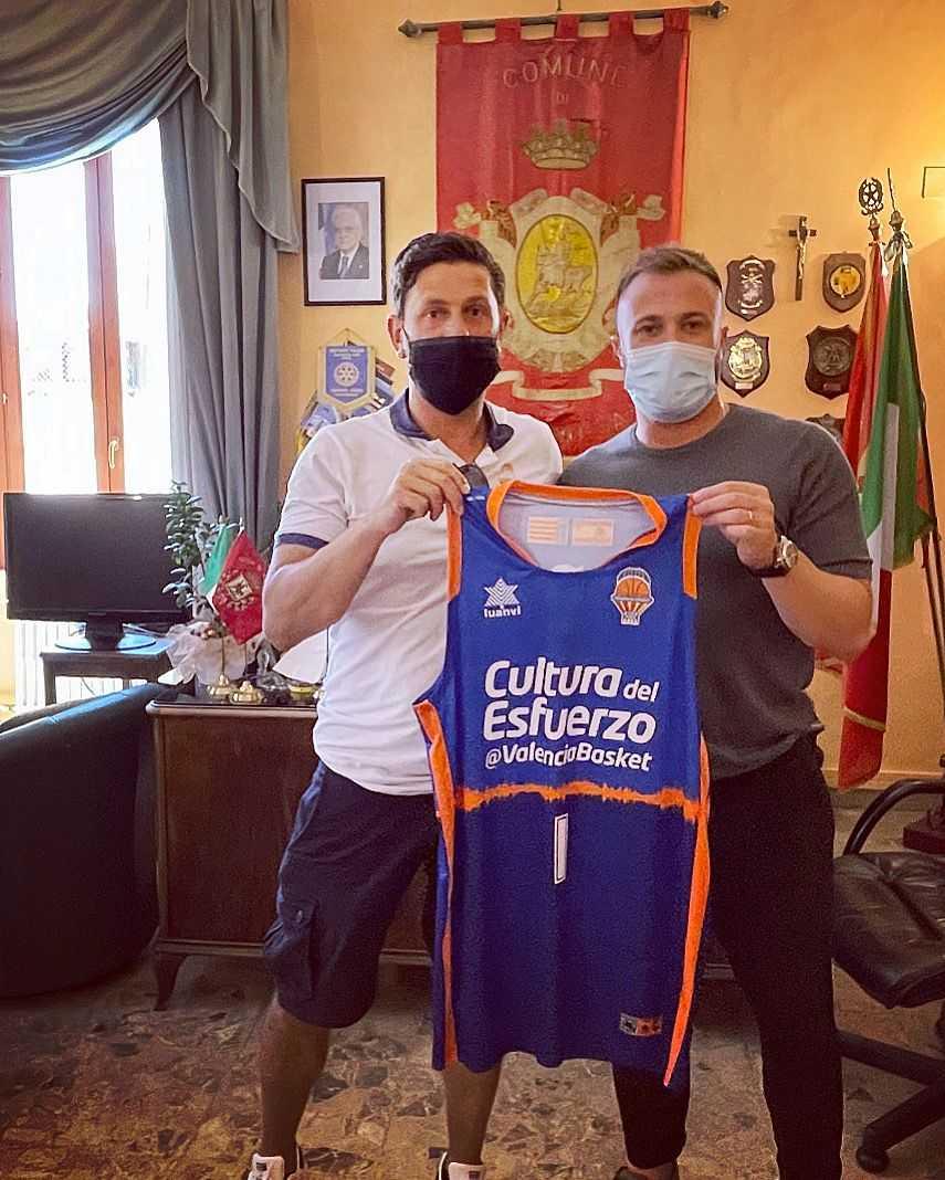 Basket, il coach Di Pasquale del Valencia incontra il Minibasket e Femminile Adriatica