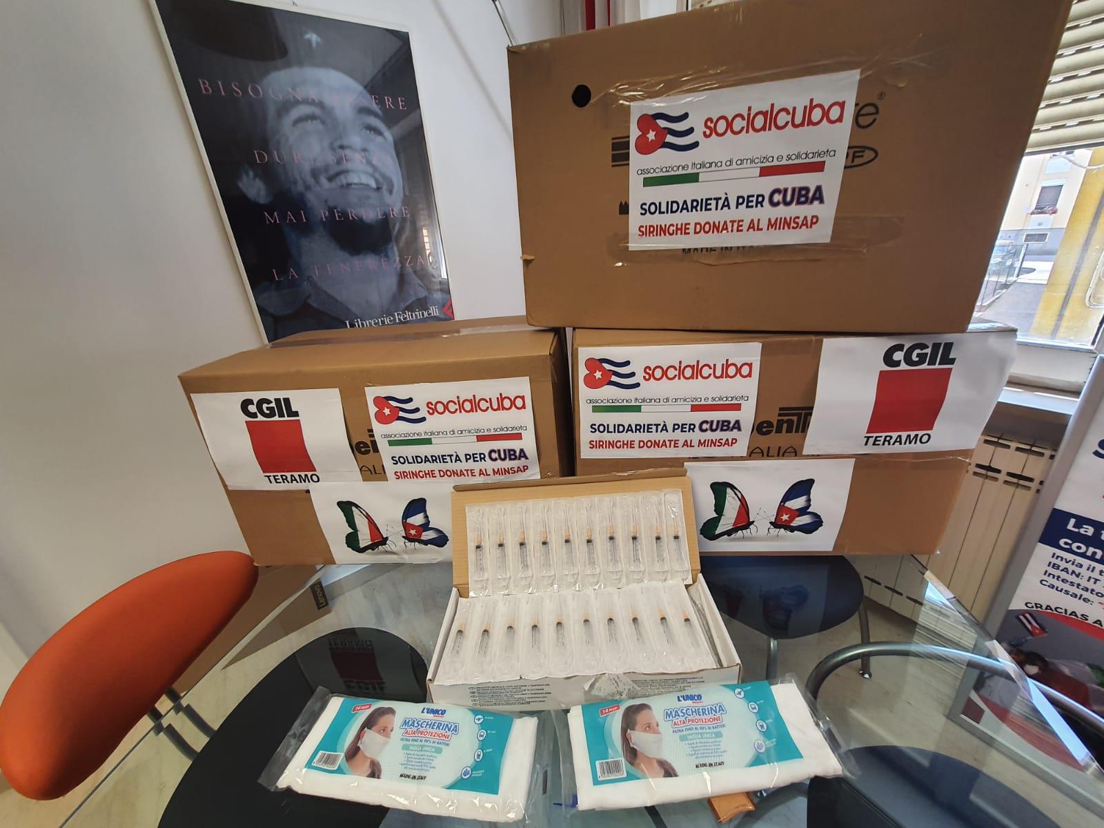 """FOTO   Contro """"El Bloqueo"""", aiutare Cuba che aiutò l'Italia. Da CGIL Teramo 66mila siringhe e 2mila mascherine"""