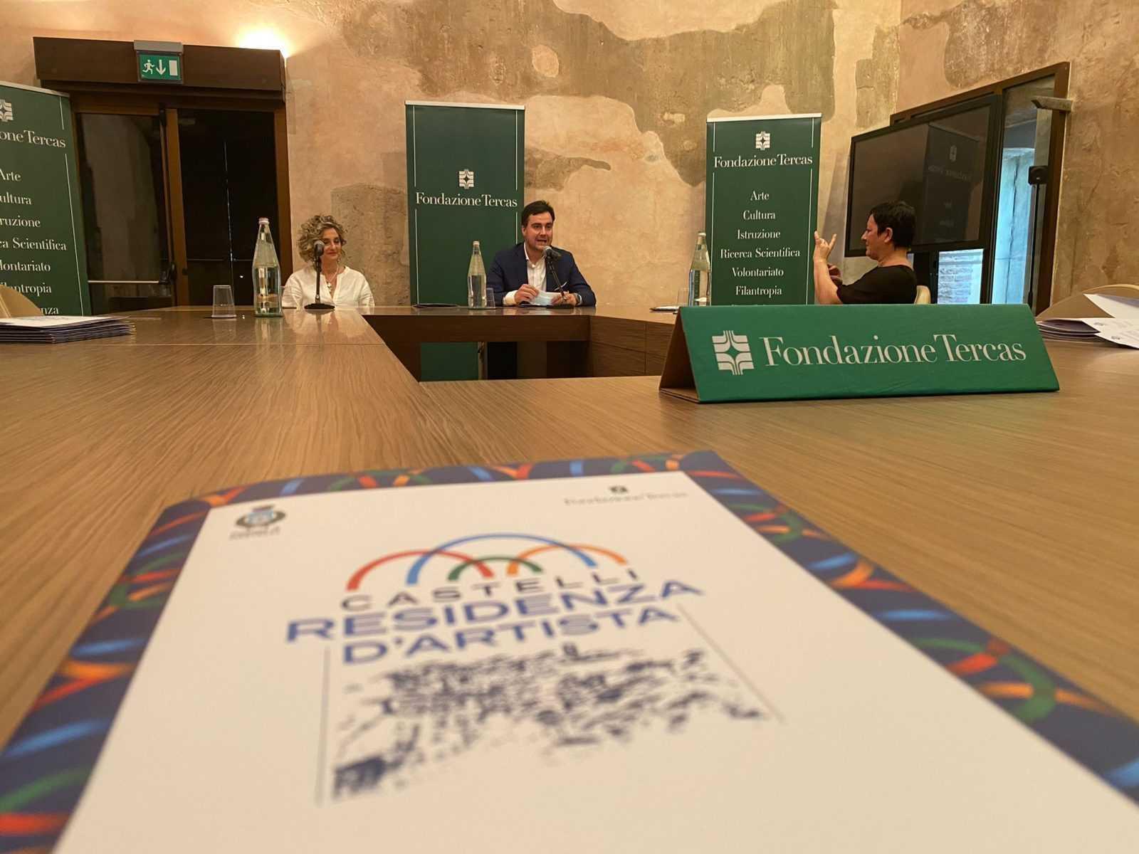 FOTO e VIDEO   Abruzzo dal Vivo presenta Castelli Residenza d'Artista