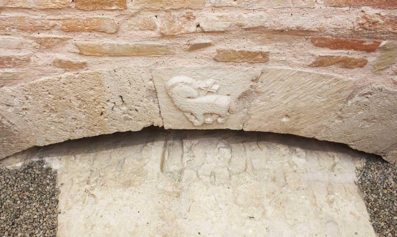 Giornate Europee del Patrimonio, il reperto dell'Agnus Dei del XIII secolo all'Archivio di Stato di Teramo