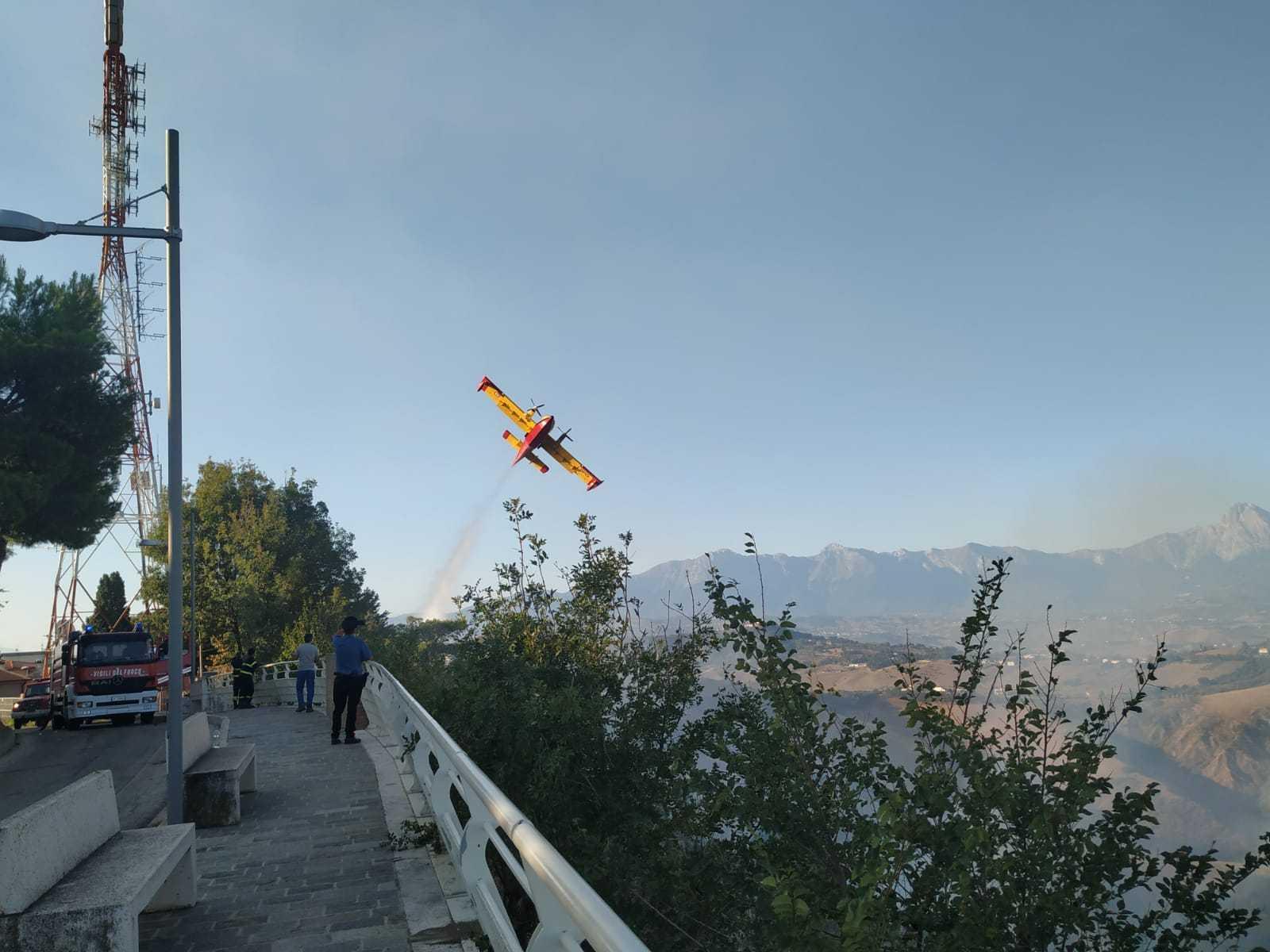 Aggiornamento situazione incendi a Castellalto e ad Altavilla di Montorio