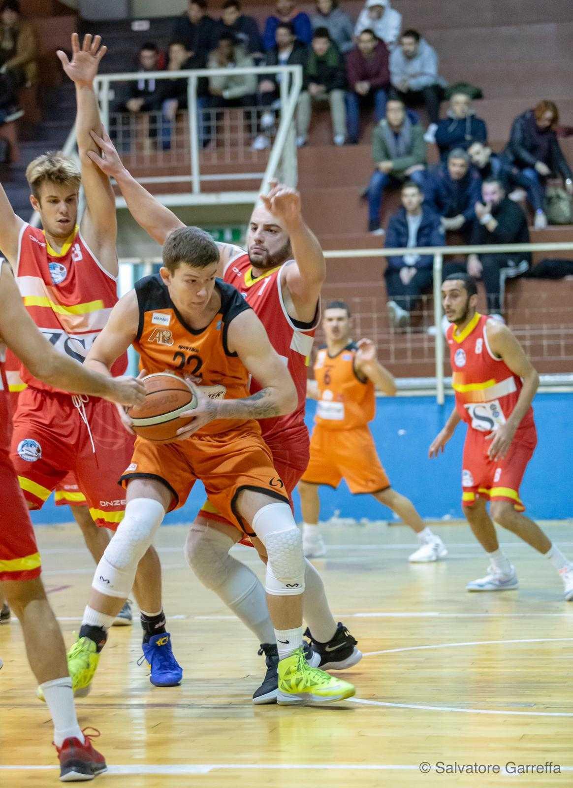 Basket C Gold, la Farnese ingaggia l'ala Unechenskyi di nazionalità ucraina