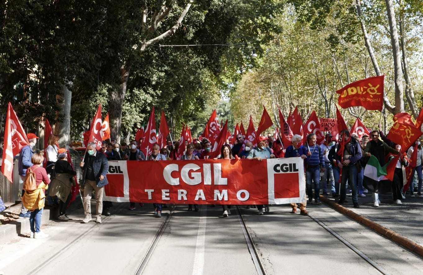 CGIL Teramo a Roma, grande manifestazione per il lavoro e la democrazia