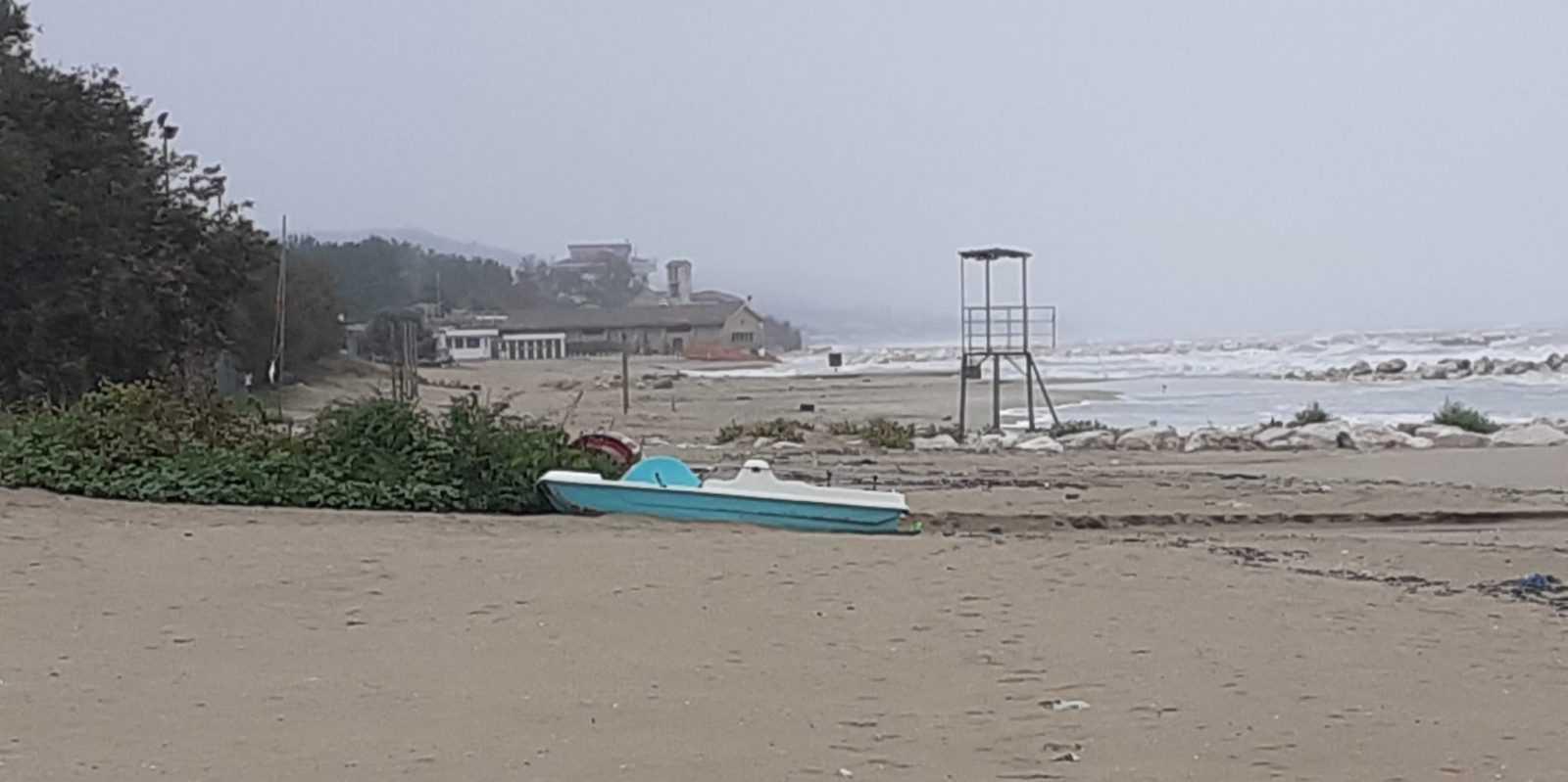 Silvi, maltempo e mareggiate ritardano lavori di protezione della costa. Ripartiranno dopo verifica delle opere