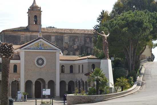 """Il """"Di Poppa-Rozzi"""" di Teramo in visita al Santuario della Madonna dello Splendore"""