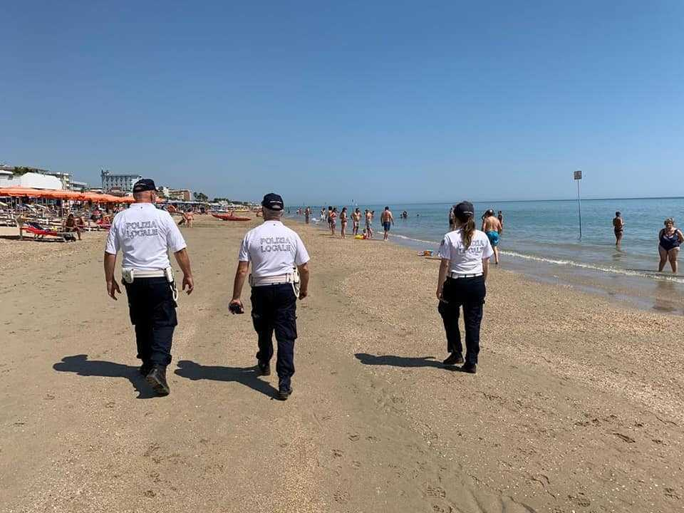 Alba Adriatica, polizia locale: pubblicato il report dei servizi estivi 2021